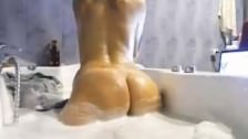 Webcam con ragazza porcella nella vasca
