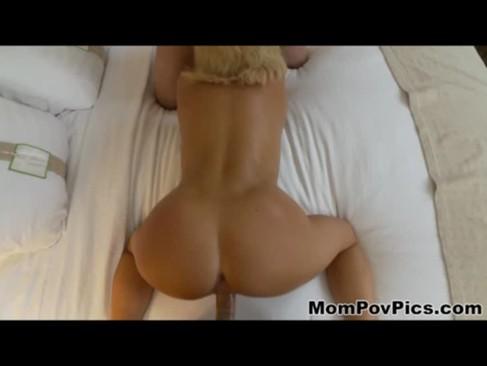 40enne bionda amante del sesso occasionale a tre